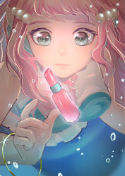 1girl alternate_eye_color aqua_blouse blouse blurry bracelet bubble close-up commentary cosmetics depth_of_field face foreshortening frilled_blouse glowing grey_eyes head_fins highres jewelry laura_(precure) lipstick_tube looking_at_object mermaid monster_girl multicolored_blouse necklace pearl_hair_ornament pearl_necklace pink_hair piyoko_(unzyumaru) precure solo sparkle submerged thick_eyebrows tropical-rouge!_precure underwater white_blouse