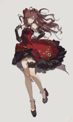 1girl, :3, absurdres, ahoge, bare legs, black footwear, black gloves, blue eyes, bow, breasts, brooch, brown hair, closed mouth, corset, detached collar, dress, earrings, elbow gloves, eyebrows visible through hair, floating hair, floral print, frilled dress, frills, full body, gloves, grey background, hair between eyes, hair bow, hand on hip, highres, ichinose shiki, idolmaster, idolmaster cinderella girls, idolmaster cinderella girls starlight stage, jewelry, lips, long hair, looking at viewer, medium breasts, neck ribbon, official alternate costume, pearl anklet, platform footwear, red bow, red dress, red ribbon, ribbon, simple background, smile, solo, strapless, strapless dress, striped, striped bow, thigh strap, zhibuji loom