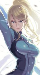 1girl, arched back, arm behind head, arms up, backlighting, bangs, blonde hair, blue bodysuit, blue eyes, blurry, blurry background, bodysuit, breasts, commentary request, greatmosu, hair between eyes, high ponytail, highres, long hair, medium breasts, metroid, mole, mole under mouth, nintendo, ponytail, samus aran, shadow, shiny, shiny clothes, shiny hair, sidelocks, skin tight, solo, upper body, zero suit