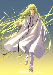 1other, absurdres, androgynous, bangs, chain, chains, cloak, enkidu (fate), enkidu (weapon) (fate), fate/grand order, fate (series), floating hair, gold chain, green hair, hair between eyes, highres, jewelry, long hair, looking at viewer, marimo (nogdujeon), necklace, pants, smile, solo, very long hair, walking, white cloak, white pants, yellow eyes
